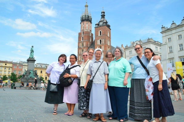NEWS FROM THE SISTERS IN KRAKOW FOR THE YOUTH WORLD DAY